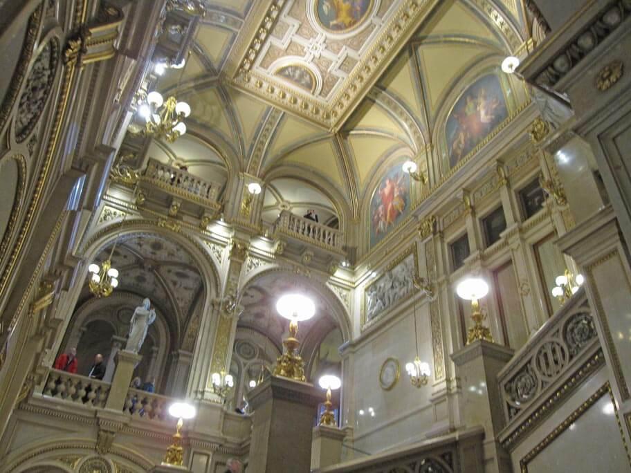 ウィーン国立歌劇場(国立オペラ座)の中