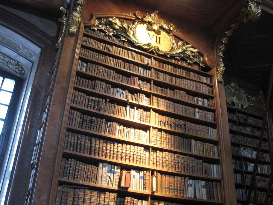 オーストリア国立図書館(プランクザール)の本