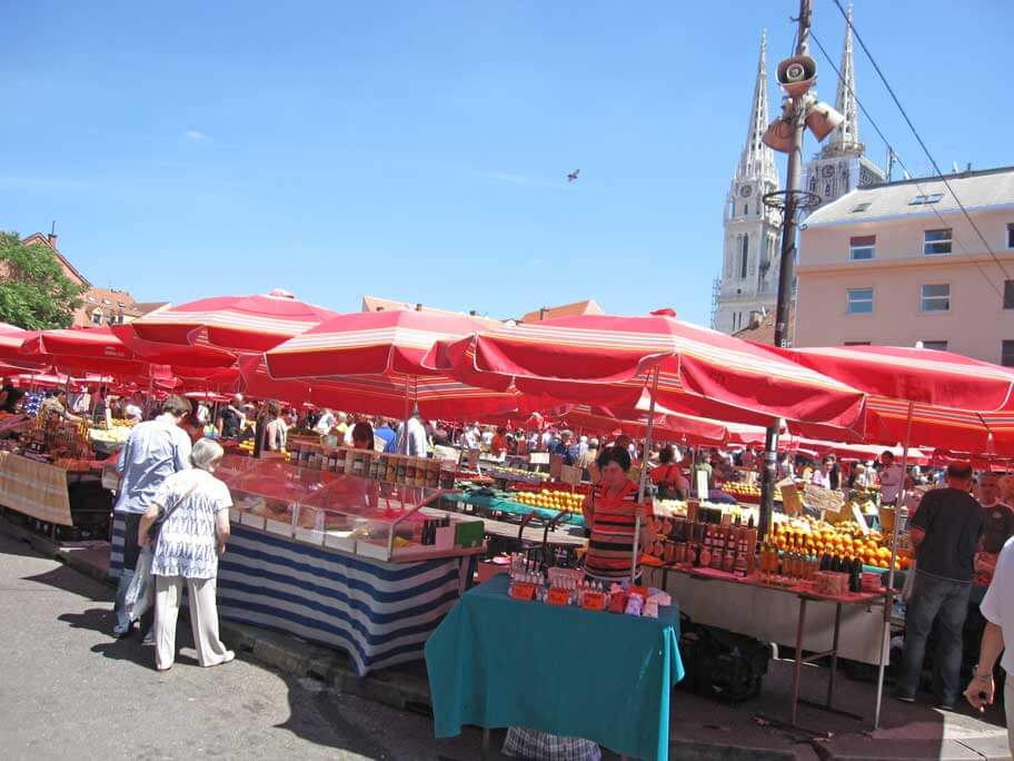 ドラツ市場