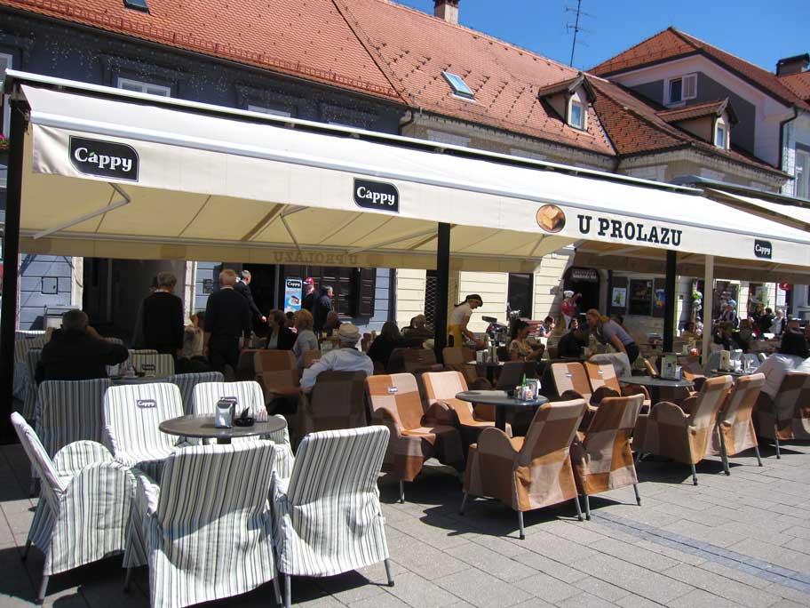 クロアチア,サモボルにあるクレムシュニテの有名店U PROLAZU