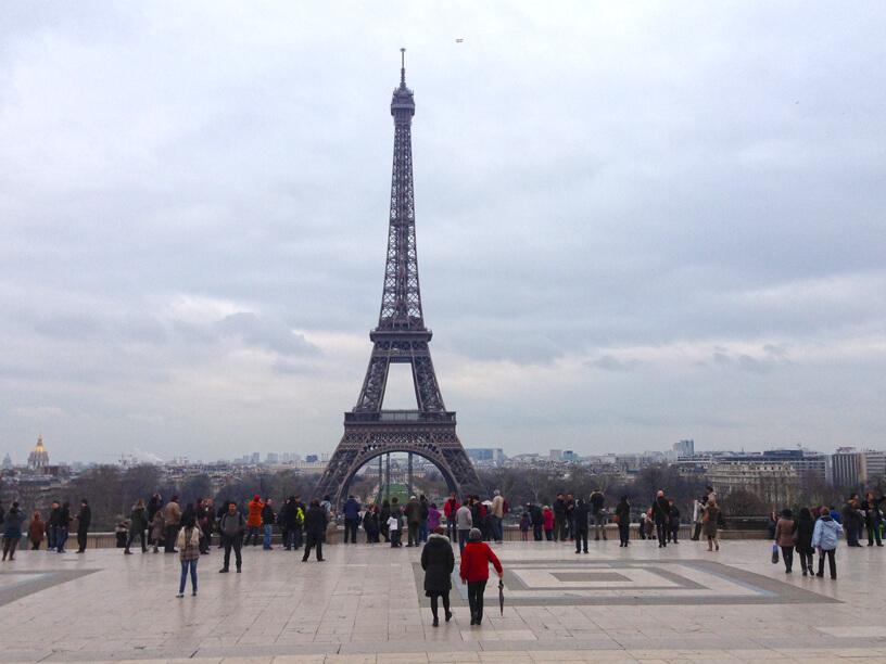 シャイヨー宮のテラスから見たエッフェル塔