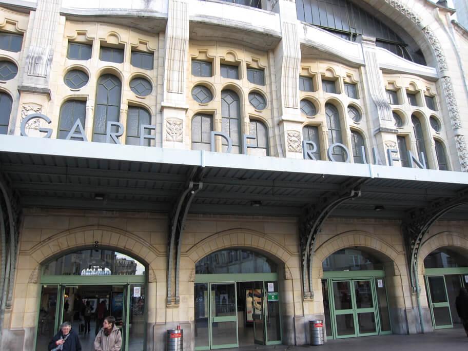 ルーアン・リーヴ・ドロワット駅