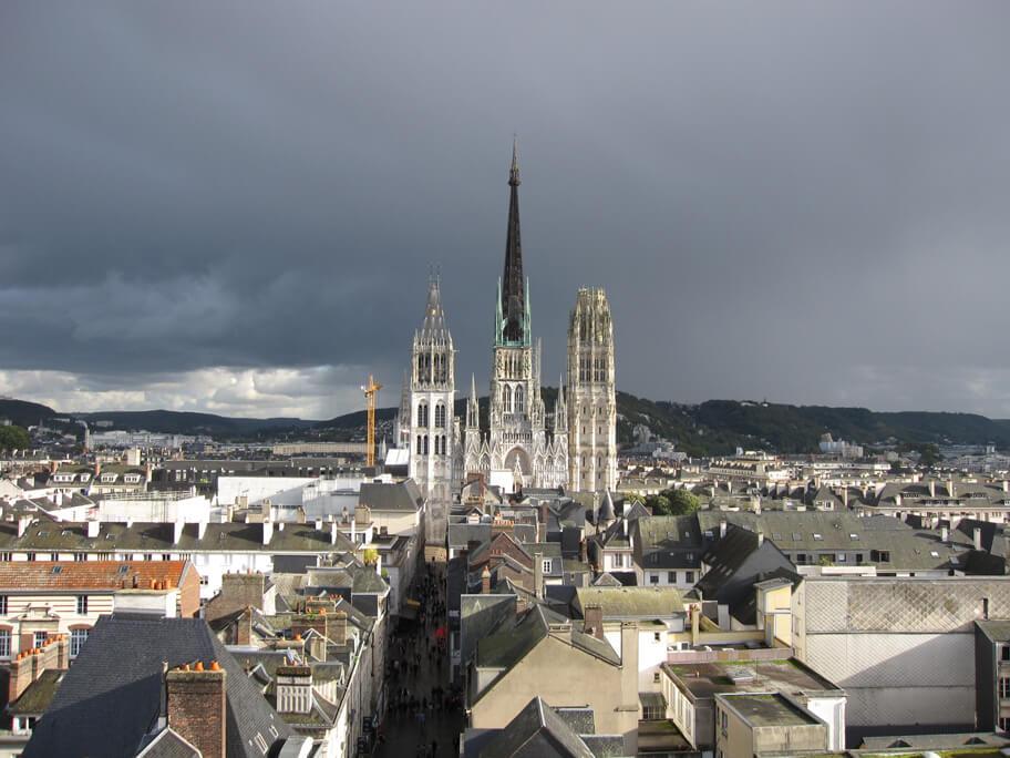 大時計から見えるノートルダム大聖堂
