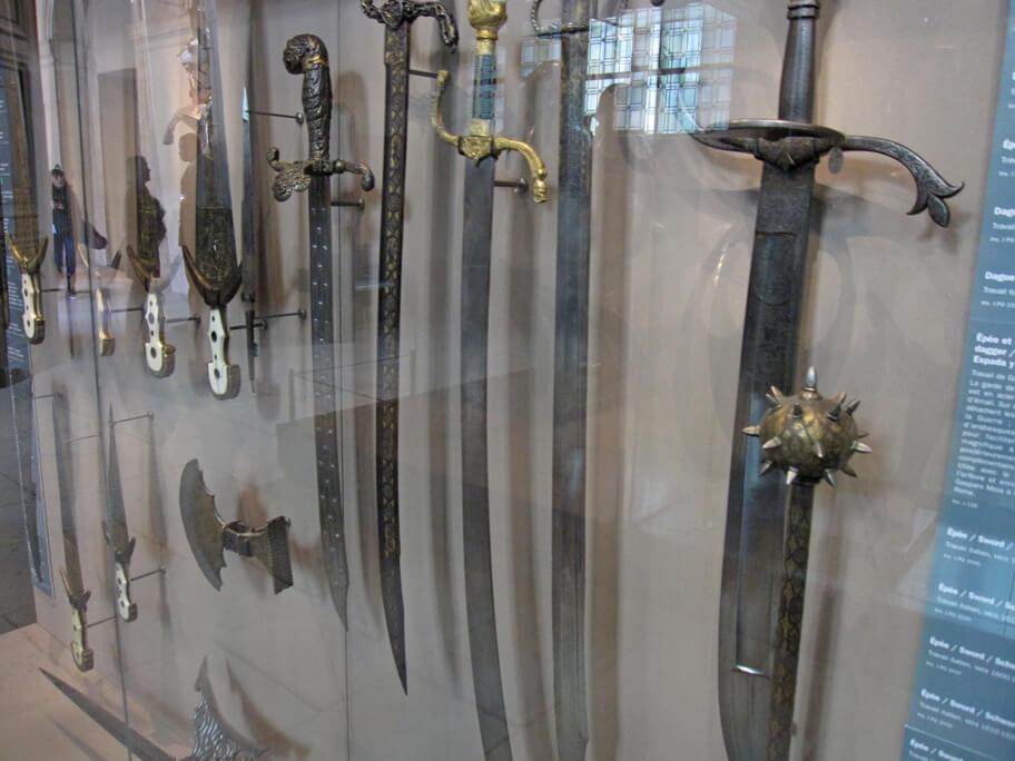アンヴァリッドの軍事博物館に展示されている剣