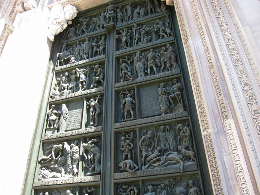 ドゥオーモの扉