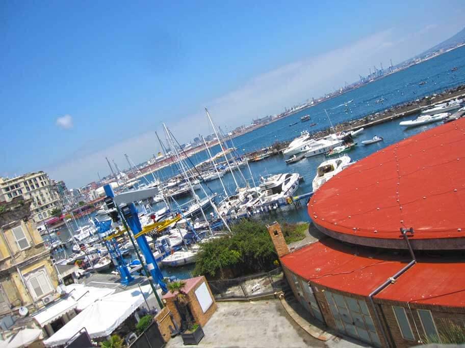 サンタ・ルチア港