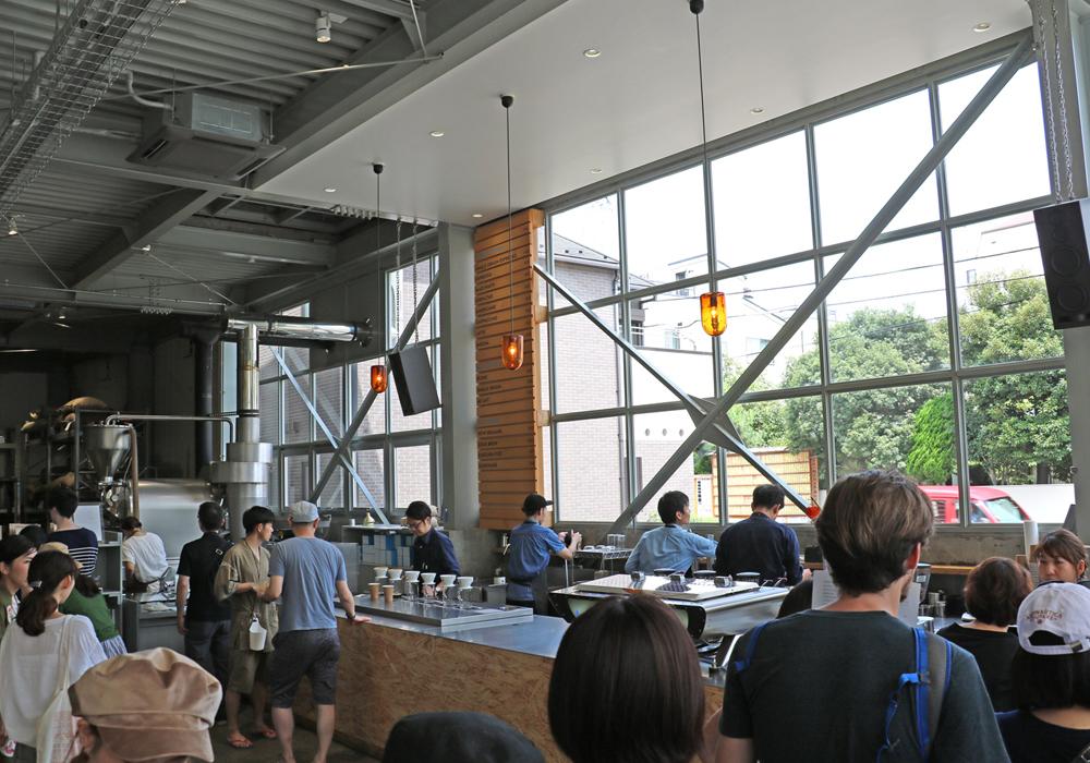 ブルーボトルコーヒー清澄白河ロースタリー&カフェの店内