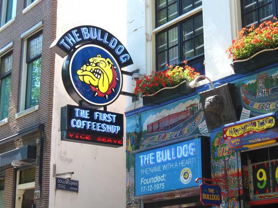 アムステルダムのコーヒーショップ,ブルドッグ