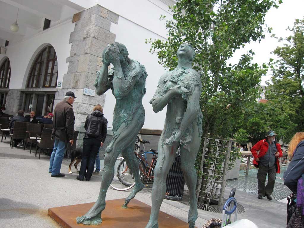 肉屋の橋にあるギリシャ神話の神々の彫刻