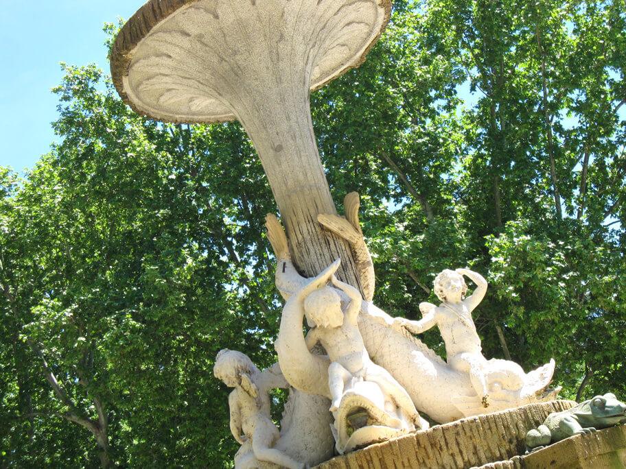 レティーロ公園の噴水