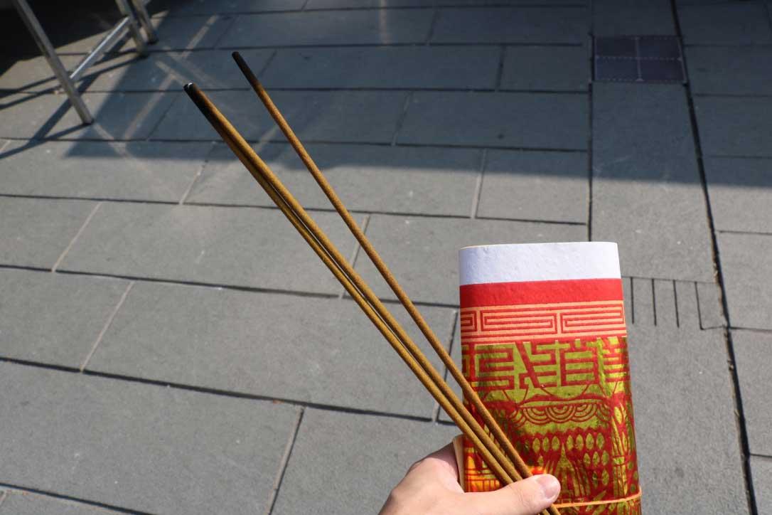 台北霞海城隍廟の参拝