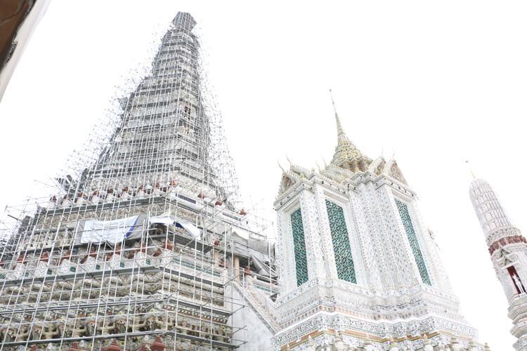 ワット・アルンの仏塔