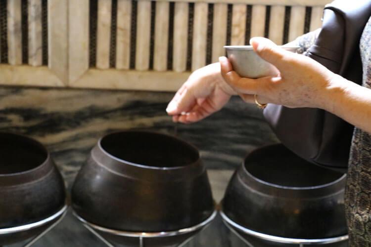 ワットポーにある108の鉢