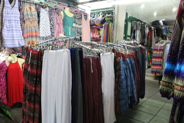 カオサンロードにある衣料品店