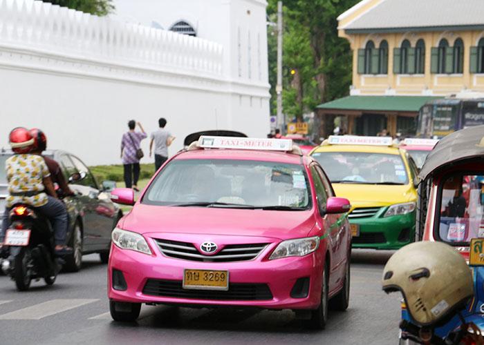タイ,バンコクのタクシー,ピンク
