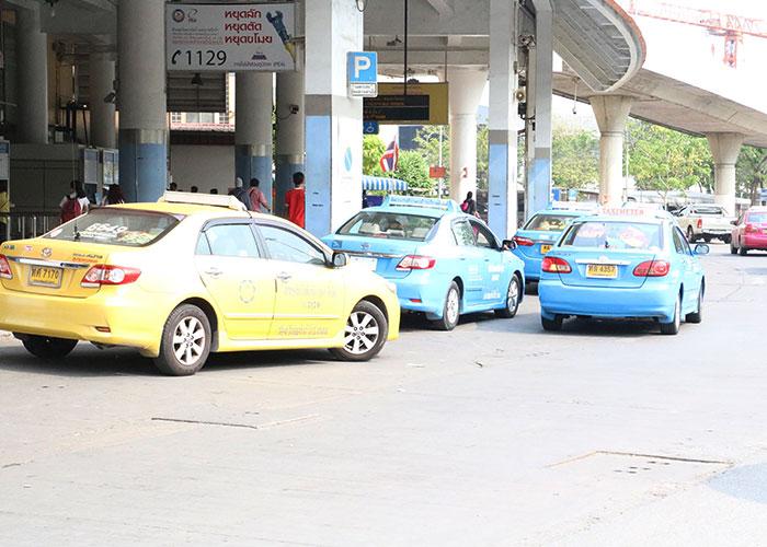 タイ,バンコクのタクシー,バスターミナル