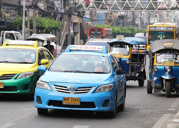 タイ,バンコクのタクシー,青色